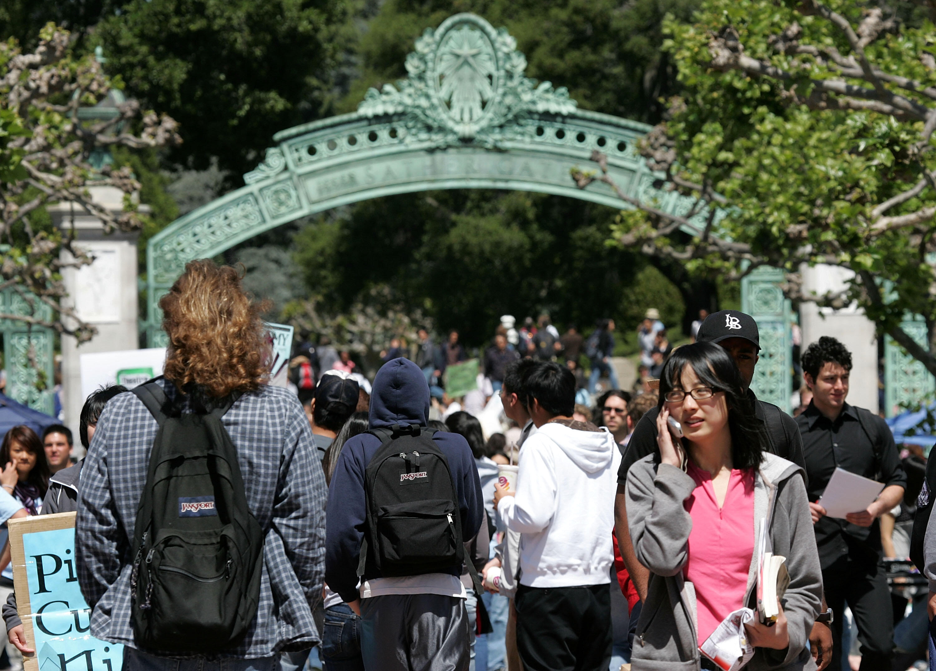 BERKELEY, CA - APRIL 17:  UC Berkeley students walk through Sather Gate on the UC Berkeley campus April 17, 2007 in Berkeley, California.  Robert Dynes, President of the University of California, said the University of California campuses across the state with reevaluate security and safety policies in the wake of the shooting massacare at Virginia Tech that left 33 people dead, including the gunman 23 year-old student Cho Seung-Hui.  (Photo by Justin Sullivan/Getty Images)