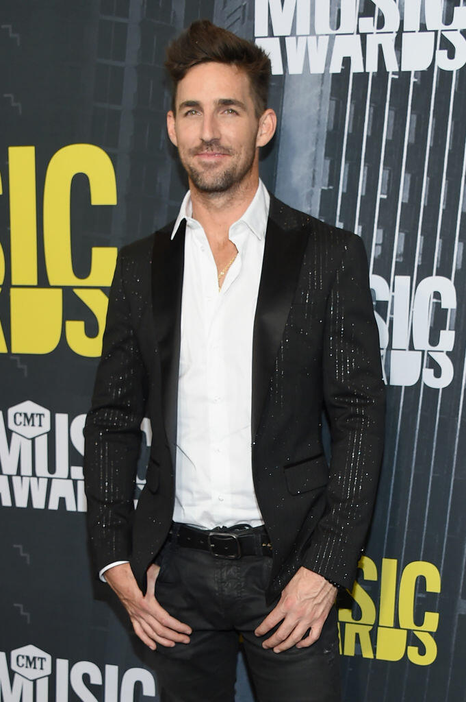 NASHVILLE, TN - JUNE 07:  Singer-songwriter Jake Owen attends the 2017 CMT Music Awards at the Music City Center on June 7, 2017 in Nashville, Tennessee.  (Photo by Michael Loccisano/Getty Images For CMT)