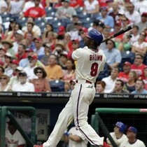 Brown, Lee Lift Phils Over Brewers 7-5