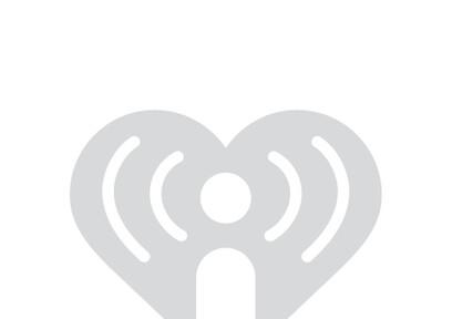 PICS: Kelly Clarkson In-Studio