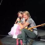 Keith Urban Kisses Another Girl (VIDEO)
