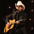 Brad Paisley Brings College Tour To Elementary School