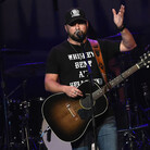 Tyler Farr has Intense Wedding Prep Workout