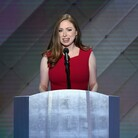 Chelsea Clinton Praises Mother As Advocate For All