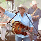Alan Jackson is Opening a Nashville Honky Tonk