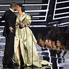 Rihanna's Video Vanguard Award: Drake Declares His Love, Riri Sings During Career-Spanning Four Part Performance