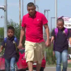 Father Of Two Kids Walks From Mexico To The US Every Day So They Can Go To A Good School