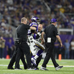 Adrian Peterson to Have Surgery on Torn Meniscus