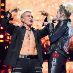 The 7 Stages Of Watching Miley Cyrus Perform With Billy Idol