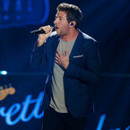 Brett Eldredge Reveals Tracks for Christmas Album