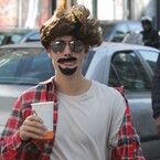 Justin Bieber Disguised In A Fake Mustache & Wig Will Make Your Day (PHOTO)