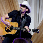 Brad Paisley To Honor Randy Travis At CMA Awards