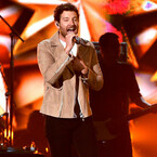 Five Times Brett Eldredge Proved He Is The Biggest Cubs Fan