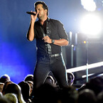 Luke Bryan Has Altercation With Fan While Performing (VIDEO)