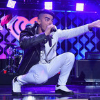 DNCE Covers Spice Girls & Kanye West During iHeartRadio Jingle Ball