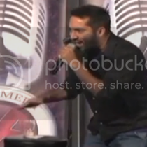 This comedian handles his heckler like a boss