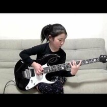 JAPANESE GIRL SHREDS HEAVY METAL GUITAR