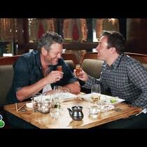 Jimmy Fallon Makes Blake Shelton Try Sushi For The 1st Time