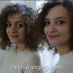 Girls Realize They Look Identical, Become Best Friends