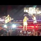 Tampa Couple Gets Engaged On Stage With Brett Eldredge