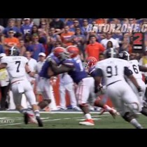 Gators players are blocking each other!