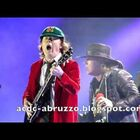 Axl with AC/DC... first show (video)
