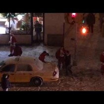 Six Santas Got Into A Drunken Brawl In The Streets Of New York