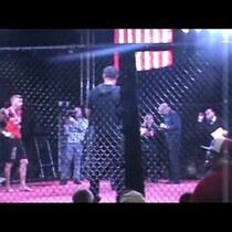 WOW! A double knockout ends an MMA match quickly