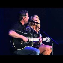 Blake Shelton and Miranda Lambert Perform 'Sure Be Cool if You Did' Together