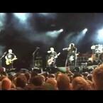 Eddie Vedder Ejects Fan From Wrigley Field Show In Chicago