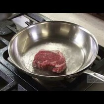 Why you shouldn't thaw your steak before throwing it in the pan....