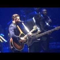Justin Timberlake Sings