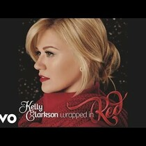 LISTEN: Kelly Clarkson's