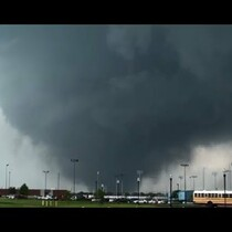 Stunning storm chaser tornado footage:  Moore - Oklahoma