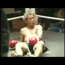 MUAY THAI KNOCK OUT= HILARIOUS FACE!