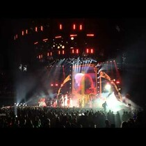 VIDEO: Swiftie Stage Rush
