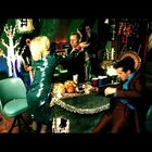 Throwback Video: GREEN DAY - Holiday