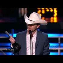 Justin Moore Wins ACM Award for New Artist of the Year