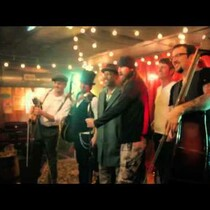 Checkout the teaseer for Darius Rucker's Wagon Wheel video! Did you spot the boys from Duck Dynasty?