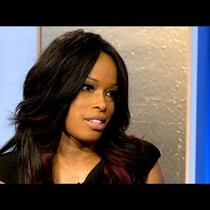 Pam Oliver Swings Back