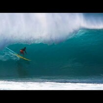 Pipeline Goin Off!!!!! North Shore, Oahu.....
