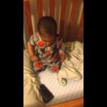 (VIDEO) Kid wakes up Jamming: