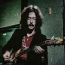 Clapton Quick Guitar Lesson On The BBC 1968.  Cool!