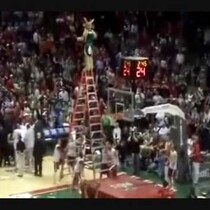 The Greatest Mascot Dunk Ever! (VIDEO)