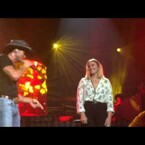 Tim McGraw sings a duet with his daughter Gracie!