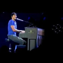 Luke sings Adele?