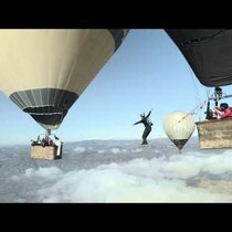 WATCH: Trying to cross a highline from one hot air baloon to another