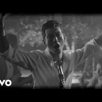 ARCTIC MONKEYS premiere new video for Arabella and it is ridiculously HOT