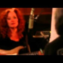 Bonnie Raitt makes Jackson Browne song glisten