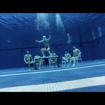 Best Harlem Shake Video! UNDER WATER